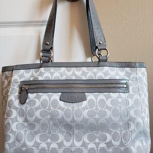 Handbags - Coach Purse